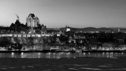 Quebec Blanc et Noir Chateau Frontenac